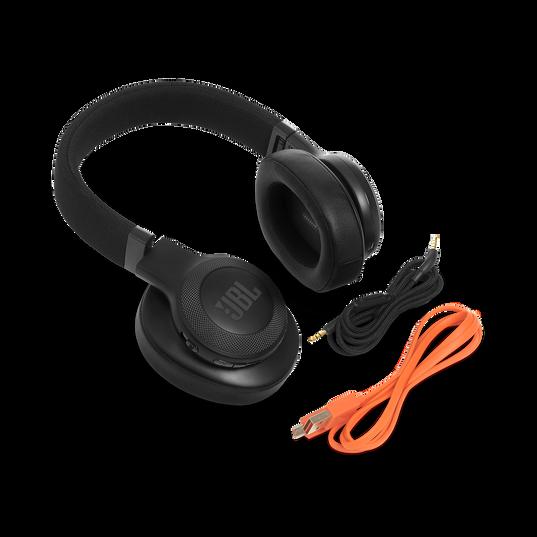 JBL E55BT - Black - Wireless over-ear headphones - Detailshot 5